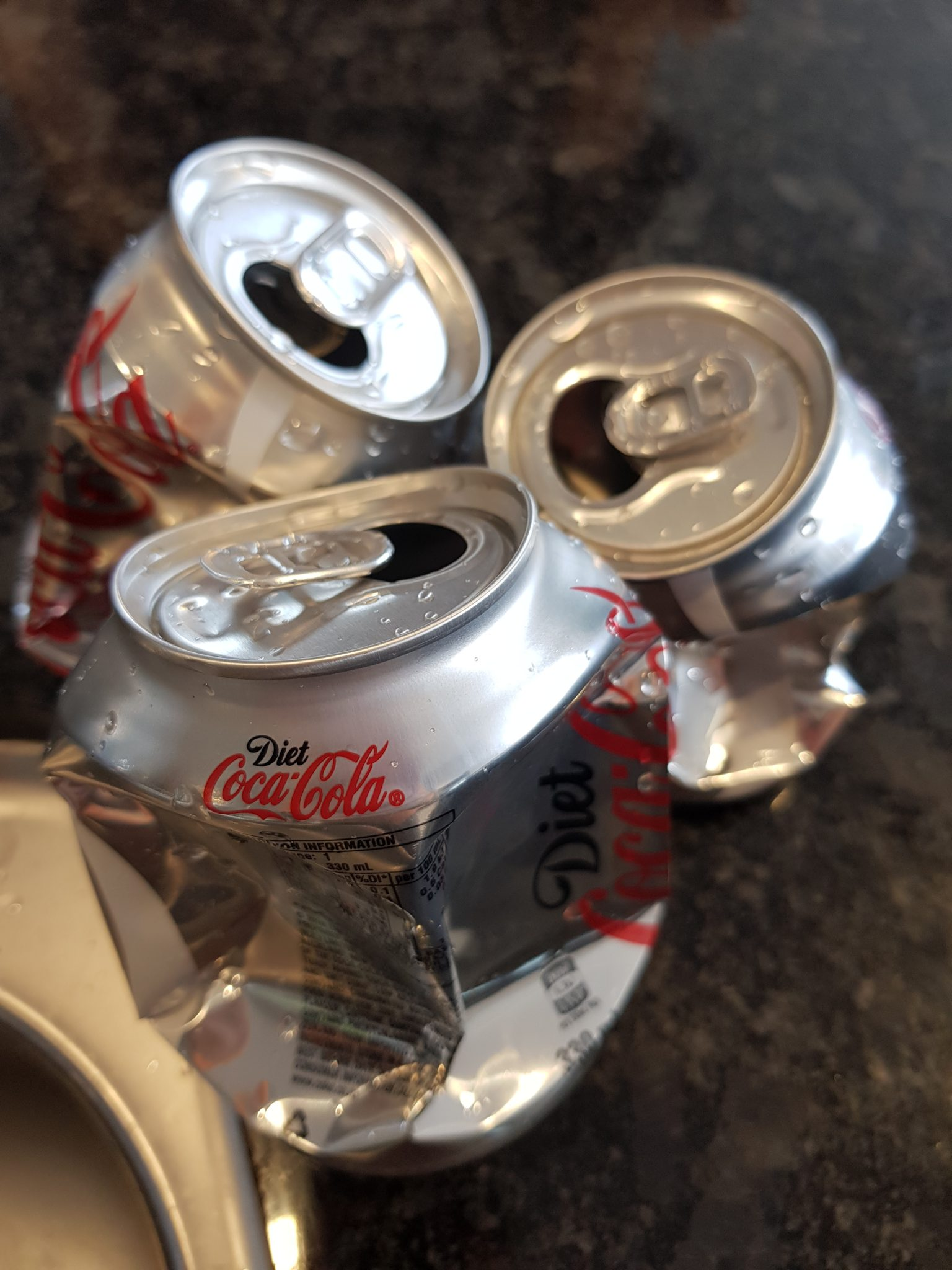 , Lockdown project for kids: Crush cans with a bowl of water!