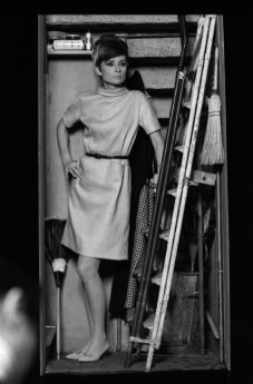 via: http://onthesetwithaudreyhepburn.tumblr.com/post/58932755040/how-to-steal-a-million-1966