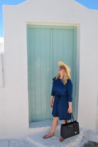Capturing colour in Oia.