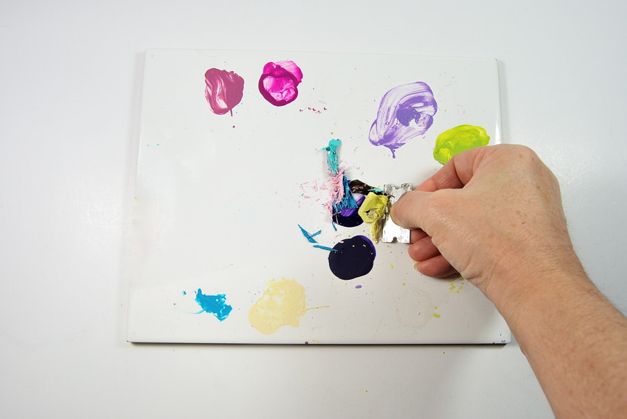 Use a ceramic tile as a palette which can be scraped clean with a razor blade. www.TheBlueBottleTree.com