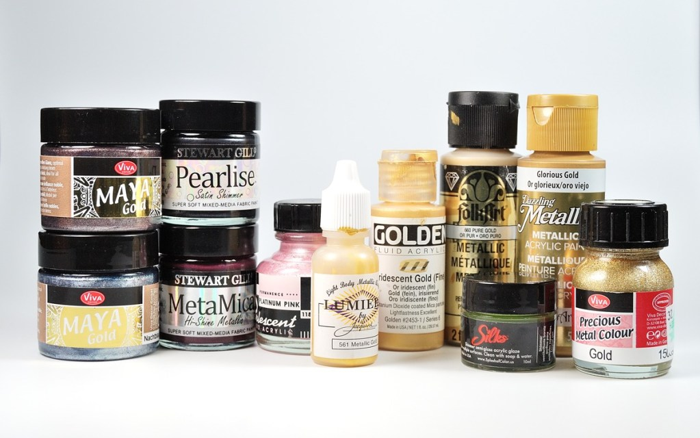 Review and tests of metallic acrylic paints on polymer clay.