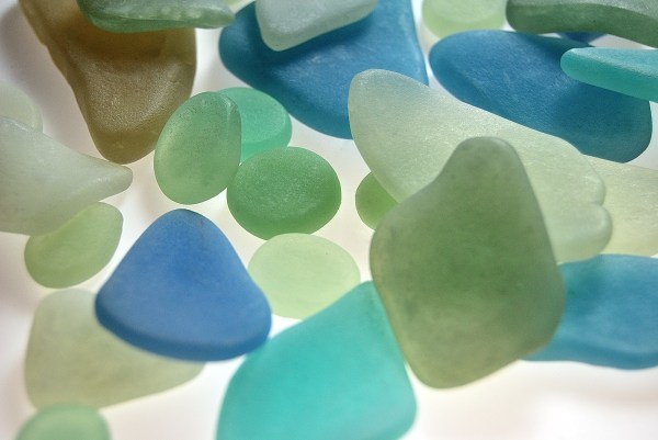 Faux sea glass made with Pardo Translucent polymer clay, tutorial at www.thebluebottletree.com