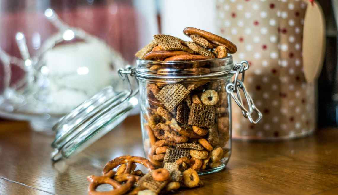Sriracha Maple Snack Mix