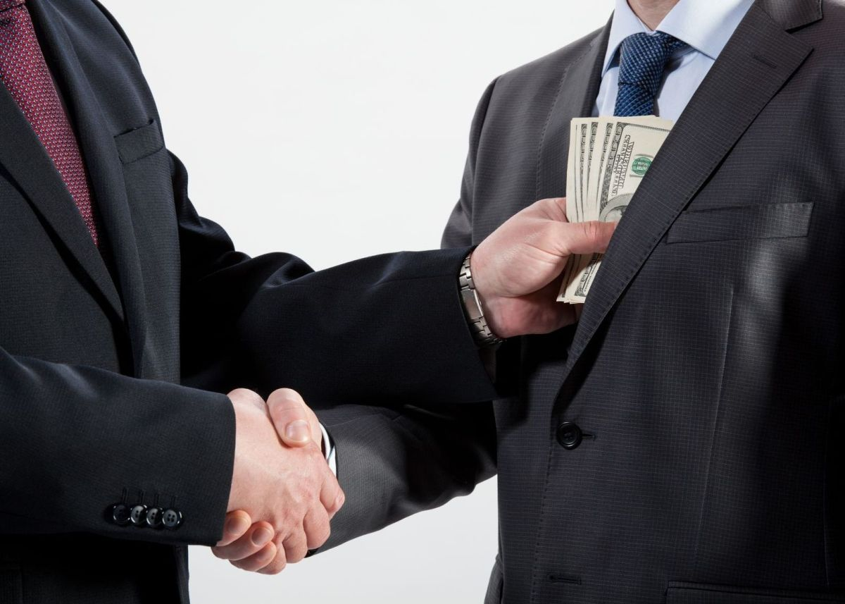 Combating the Colombian corruption crisis