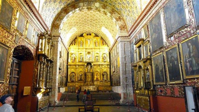 Iglesia Museo de Santa Clara, Bogotá churches