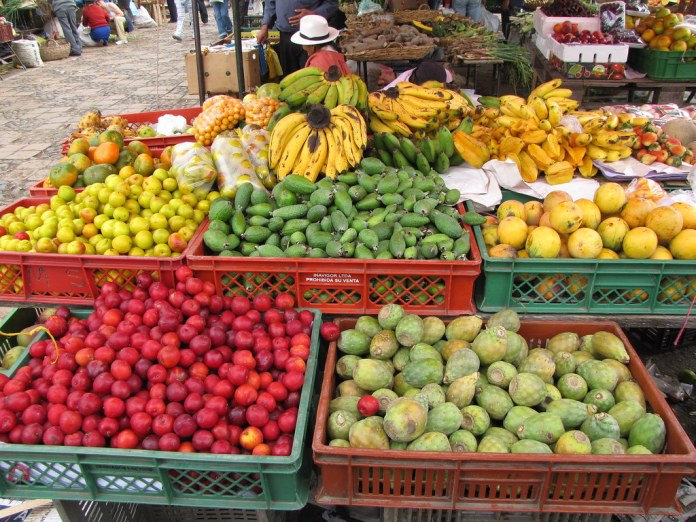 The large variety of fruits is one of the key gastronomy selling points in Colombia.