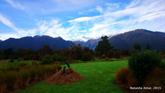 New Zealand's Glacier Country is a dramatic landscape perfect for hiking, helicopter rides, and a heli-hike. Here are the top things to do in Fox Glacier.