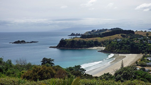 How to Spend Two Weeks in New Zealand: A complete itinerary for the best spots in the North Island and South Island of New Zealand, from my New Zealand honeymoon. Plus practical tips and advice to plan your own 2 weeks in New Zealand and your New Zealand road trip. This post can be broken into separate New Zealand North Island and South Island Itineraries.