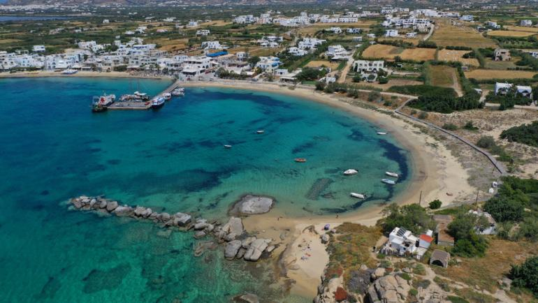 Agia Anna Enjoy a slice of island paradise on the best Naxos beaches in the popular Cyclades islands in Greece. From sandy beaches with crystal waters and secret coves for privacy, these are the best beaches in Naxos.