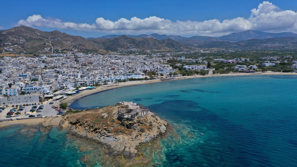 Agios Georgios Enjoy a slice of island paradise on the best Naxos beaches in the popular Cyclades islands in Greece. From sandy beaches with crystal waters and secret coves for privacy, these are the best beaches in Naxos.