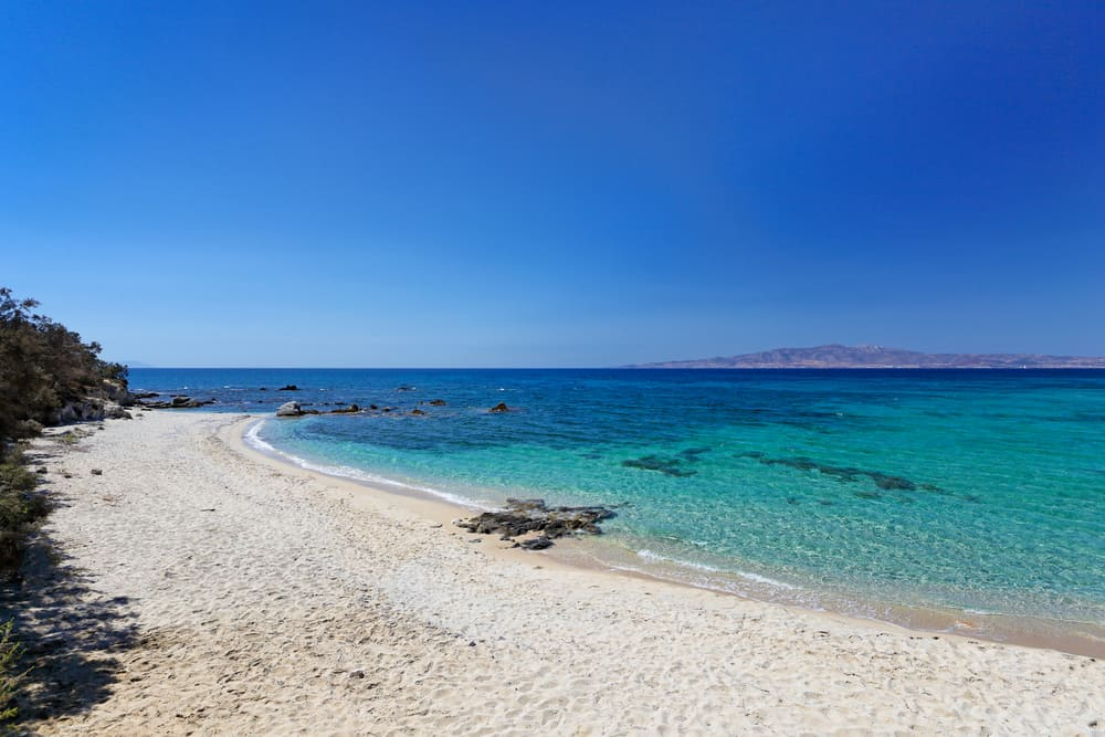 Kastraki Beach Enjoy a slice of island paradise on the best Naxos beaches in the popular Cyclades islands in Greece. From sandy beaches with crystal waters and secret coves for privacy, these are the best beaches in Naxos.