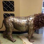 Lion inside Potter's Tea House