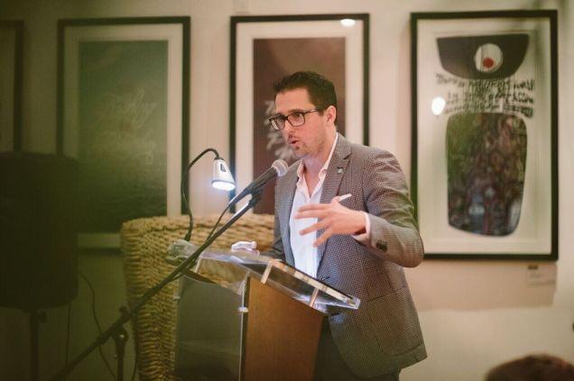 Pablo Cartaya conducts a presentation.