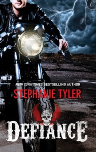 Joint Review – Defiance (Defiance #1) by Stephanie Tyler