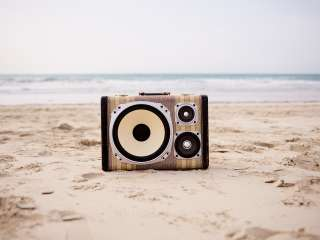 Beach World Traveling BoomCase BoomBox South Africa