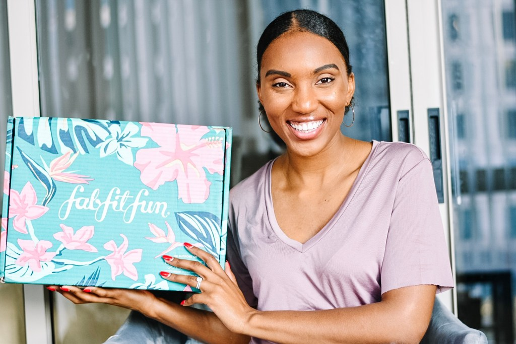 Antonia with Fabfitfun summer box