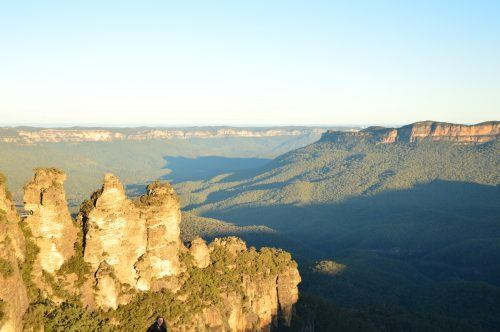 wide shot of the three sisters blue mountains