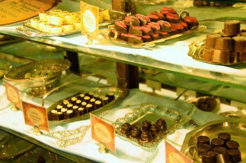 chocolates on display at the paragon cafe katoomba
