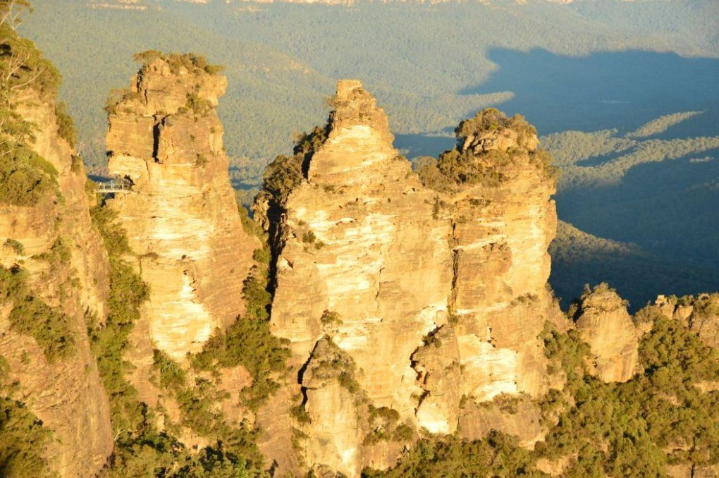 The three sisters rocks in the blue mountains new south wales