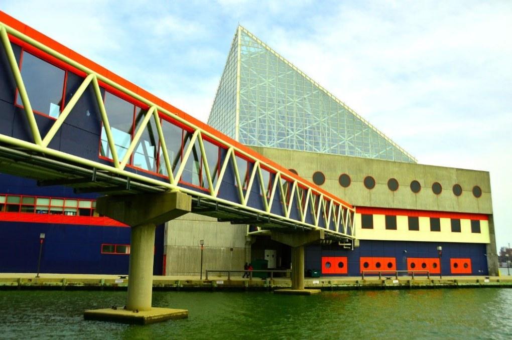 national aquarium baltimore exterior
