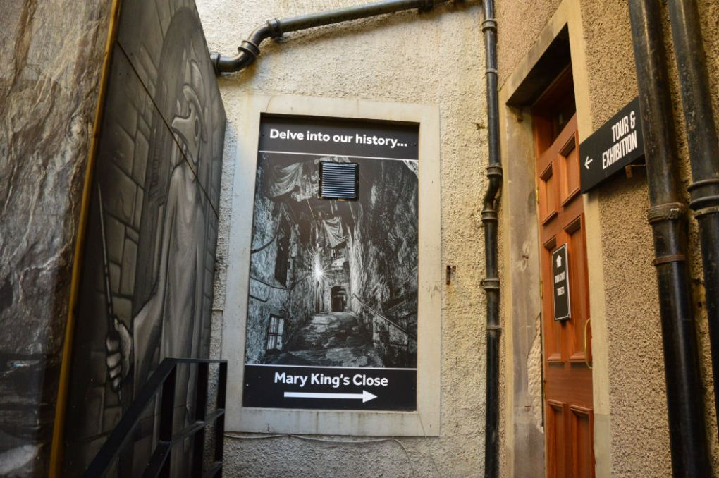 entrance to mary king's close tour