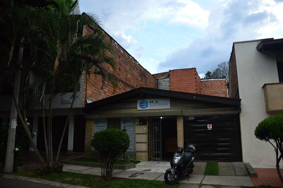 The roof in Medellin where pablo escobar was caught