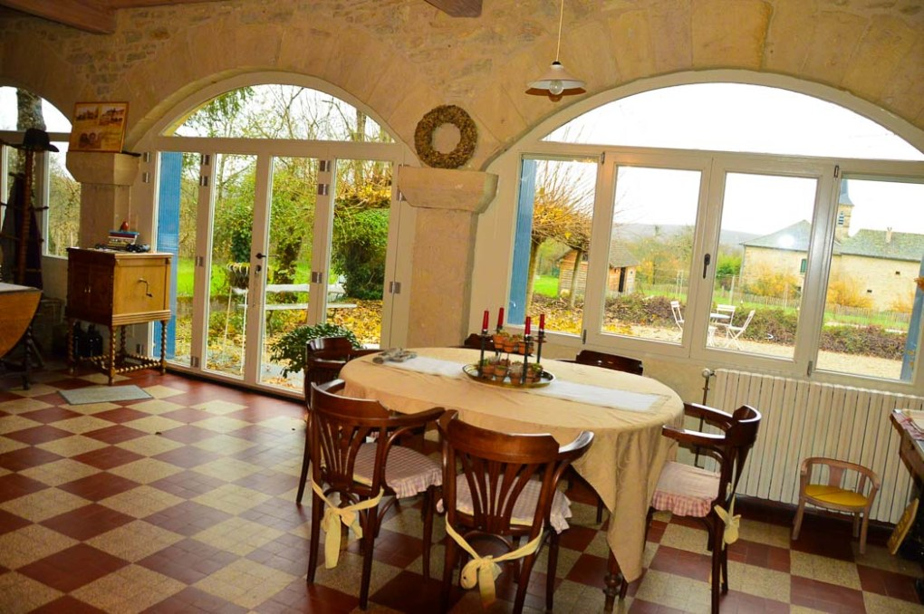 Dinner table at Le Couvent de Neuviale