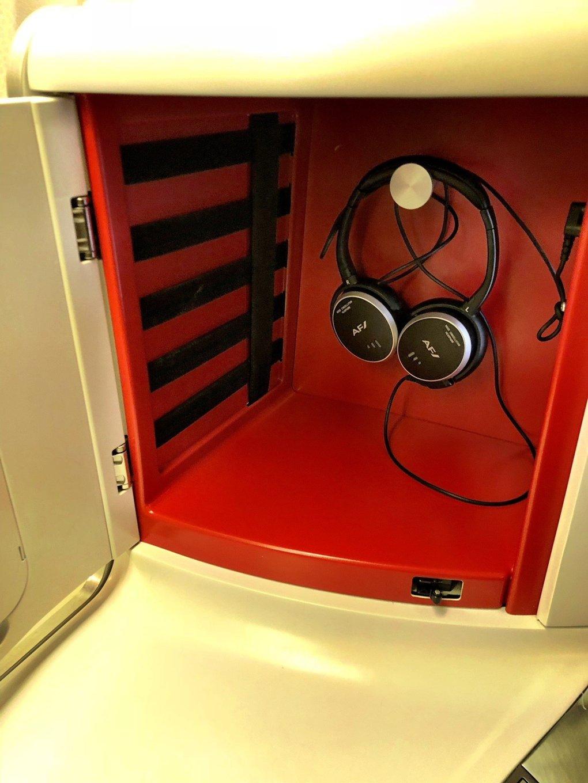 air-france-a380-business headphones