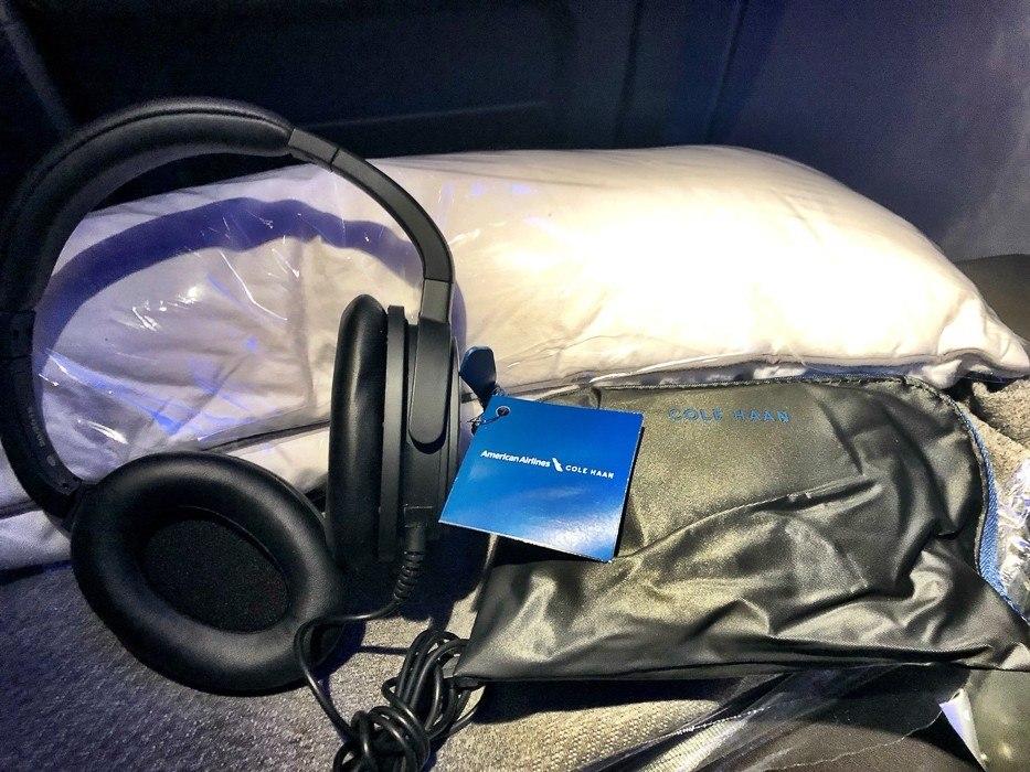 american airlines premium economy headphones and amenity kit