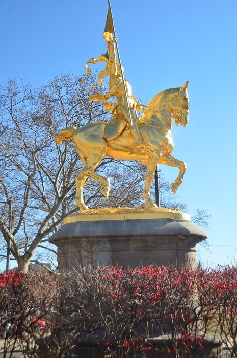 man on horse gold statue in philadelphia