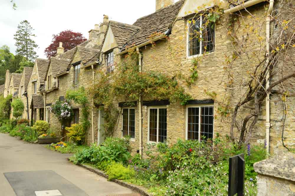 england_cotswolds_castle-combe-street