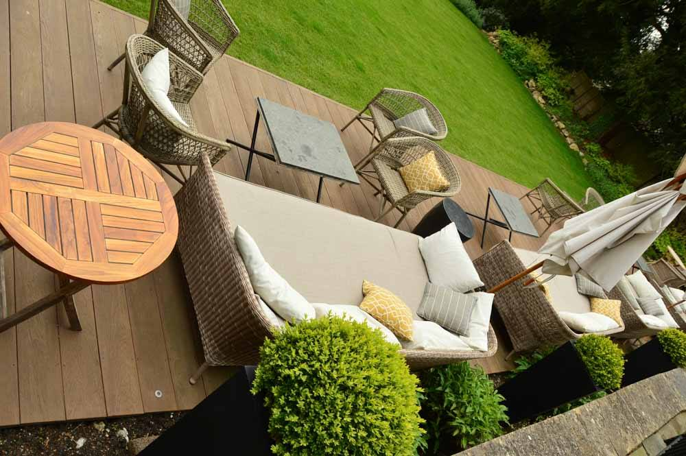 england_cotswolds_the-painswick-outdoor-couches