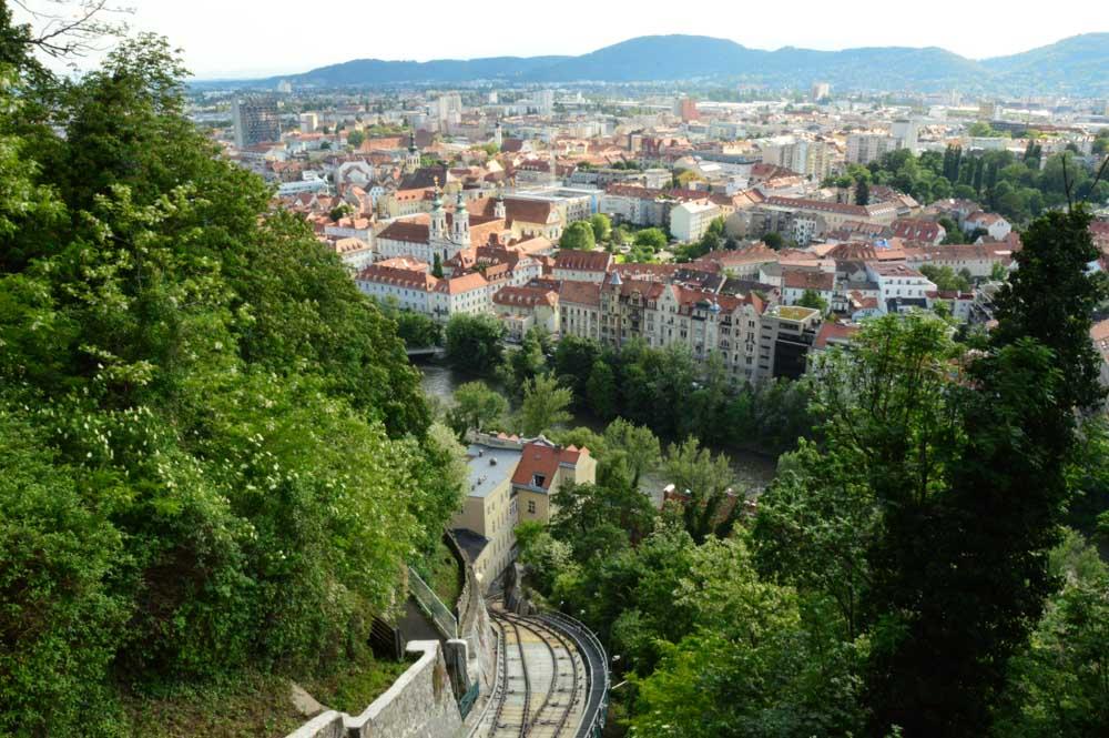 austria_graz_funicular-path