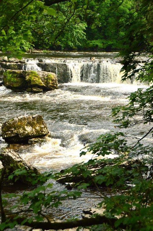 england_yorkshire-waterfall