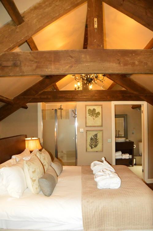 england_yorkshire-yorebridge-house-bedroom-exposed-beams