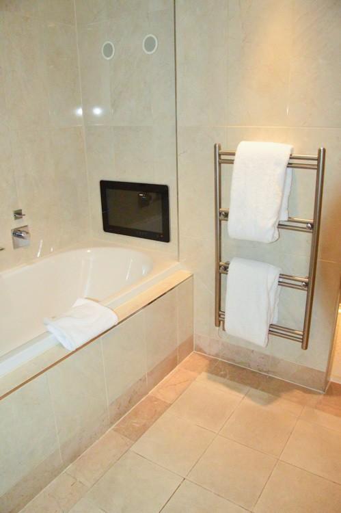 england_yorkshire_rockliffe-hall-bathroom