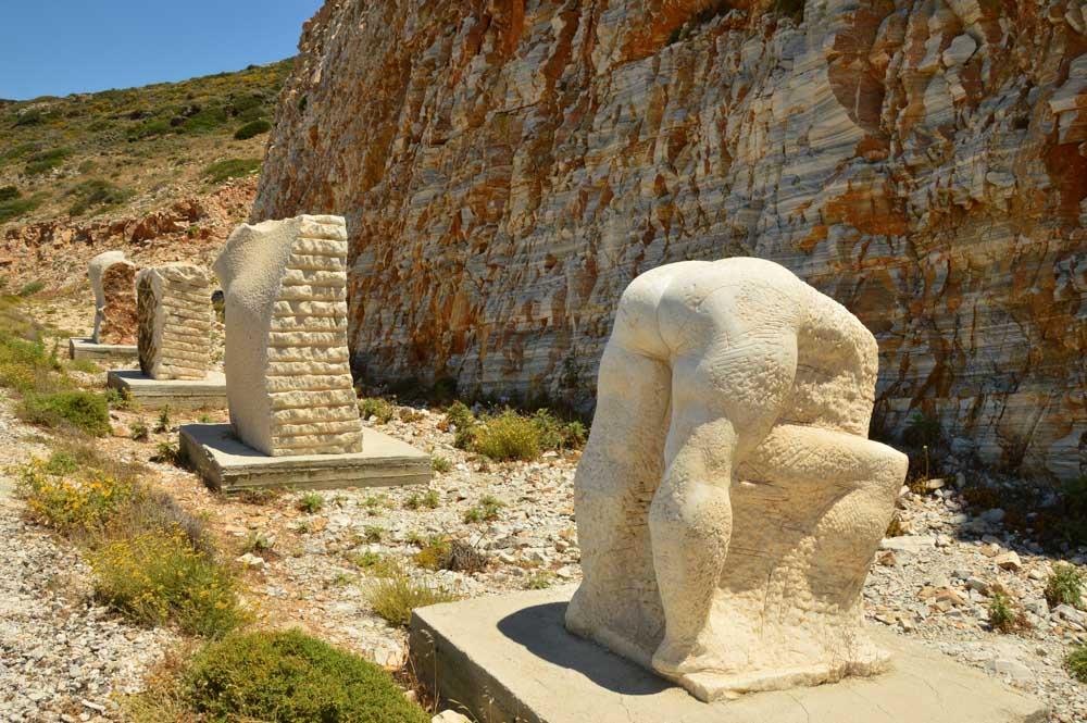 greece_ios_modern-art-statues