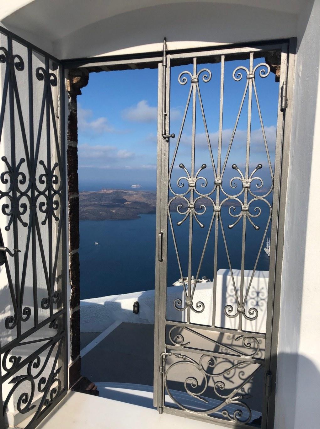 greece_santorini_anteliz-door