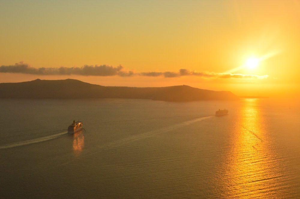 greece_santorini_sunset