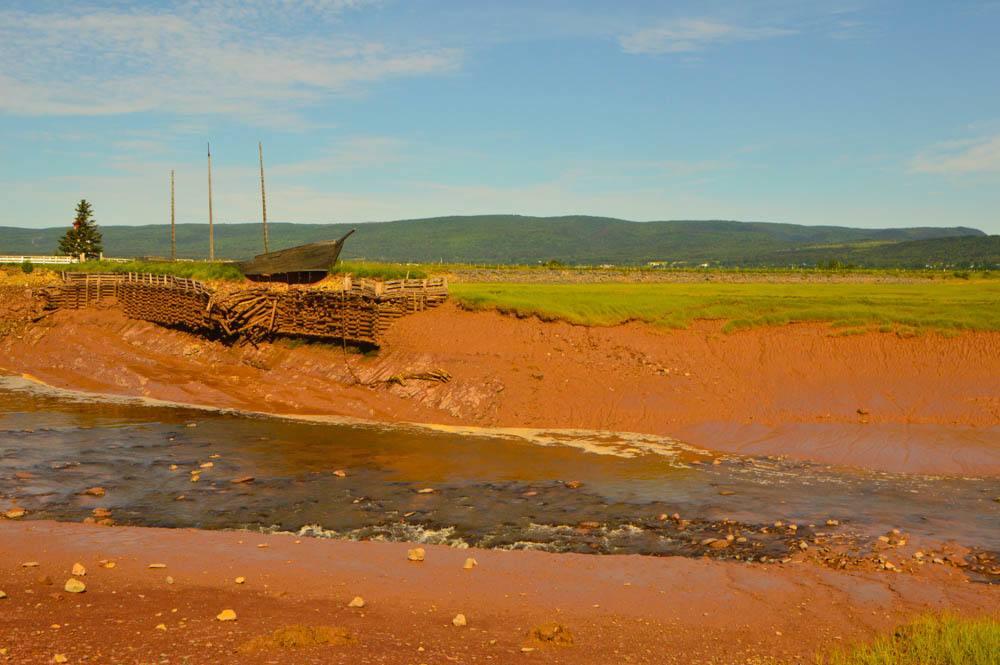 canada_new-brunswick_road-to-cape-enrage-boat
