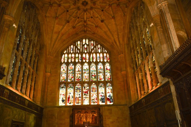 england_winchester_cathedral-interior-stained-glass-window