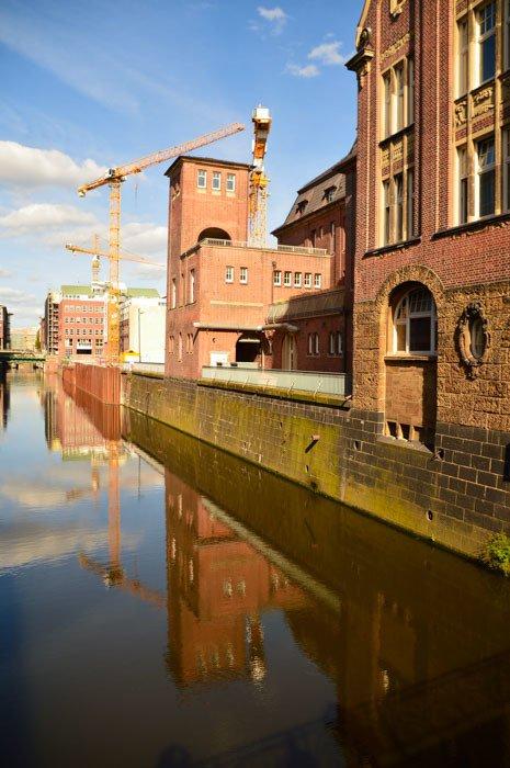 germany_hamburg_old-warehouses-canal