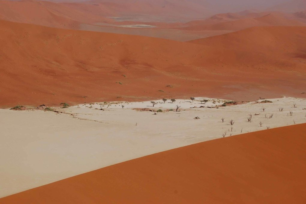 Namibia_sossusvlei-dead-vlei-from-big-daddy