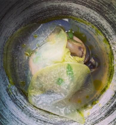 Oyster, kohlrabi, dashi vinaigrette & coriander oil - Breda