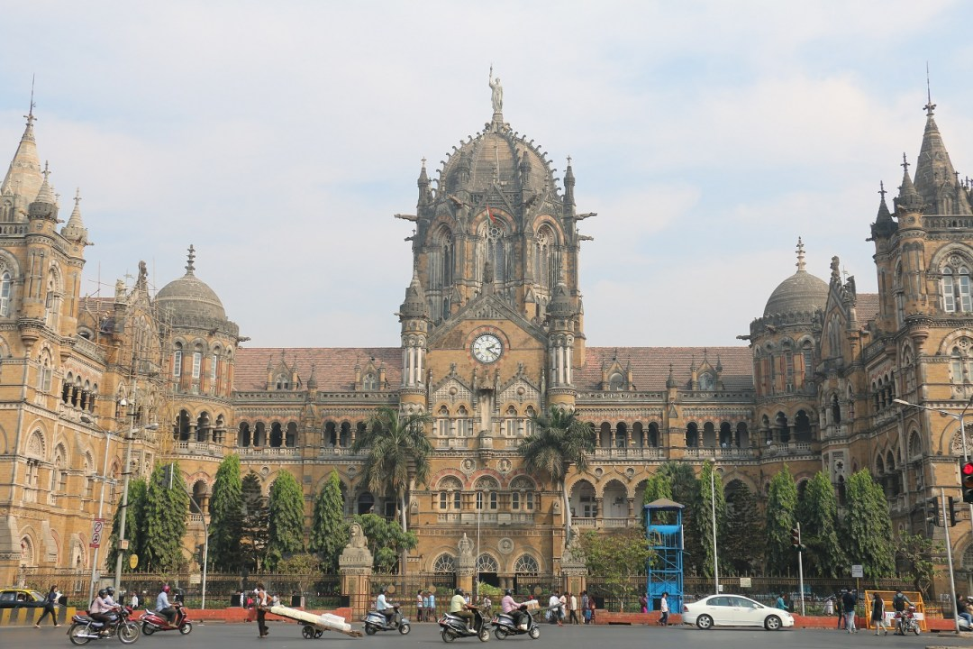 Mumbai_VictoriaStation_2