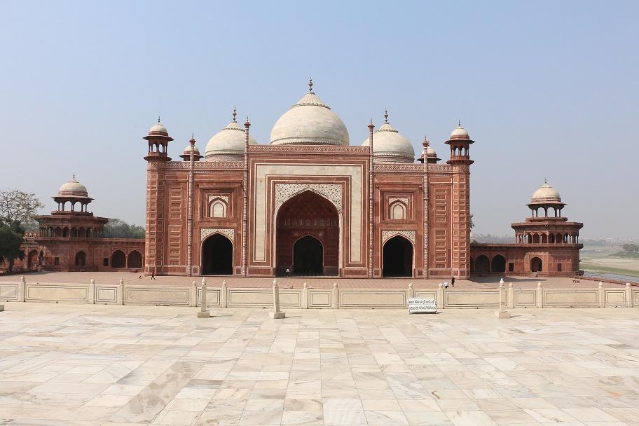 Agra_Taj_Mahal_3_thebraidedgirl
