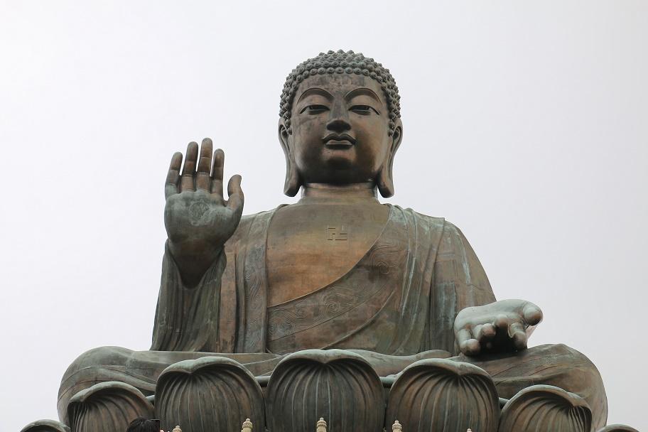 Hong_Kong_Lantau_Island_Big_Buddha_14_thebraidedgirl