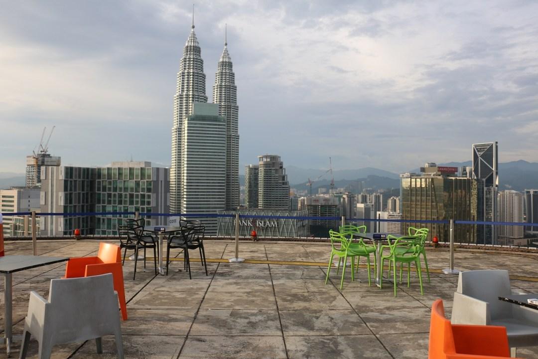 Kuala_Lumpur_Helipad_Skybar_3_thebraidedgirl