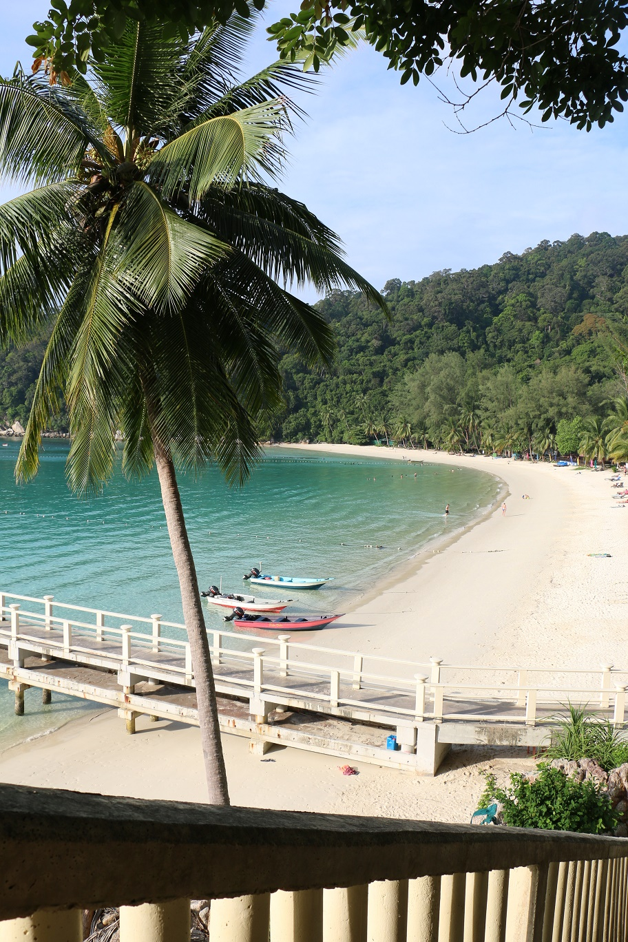 Pulau_Perhentian_Besar_Perhentian_Island_Resort_Beach_thebraidedgirl