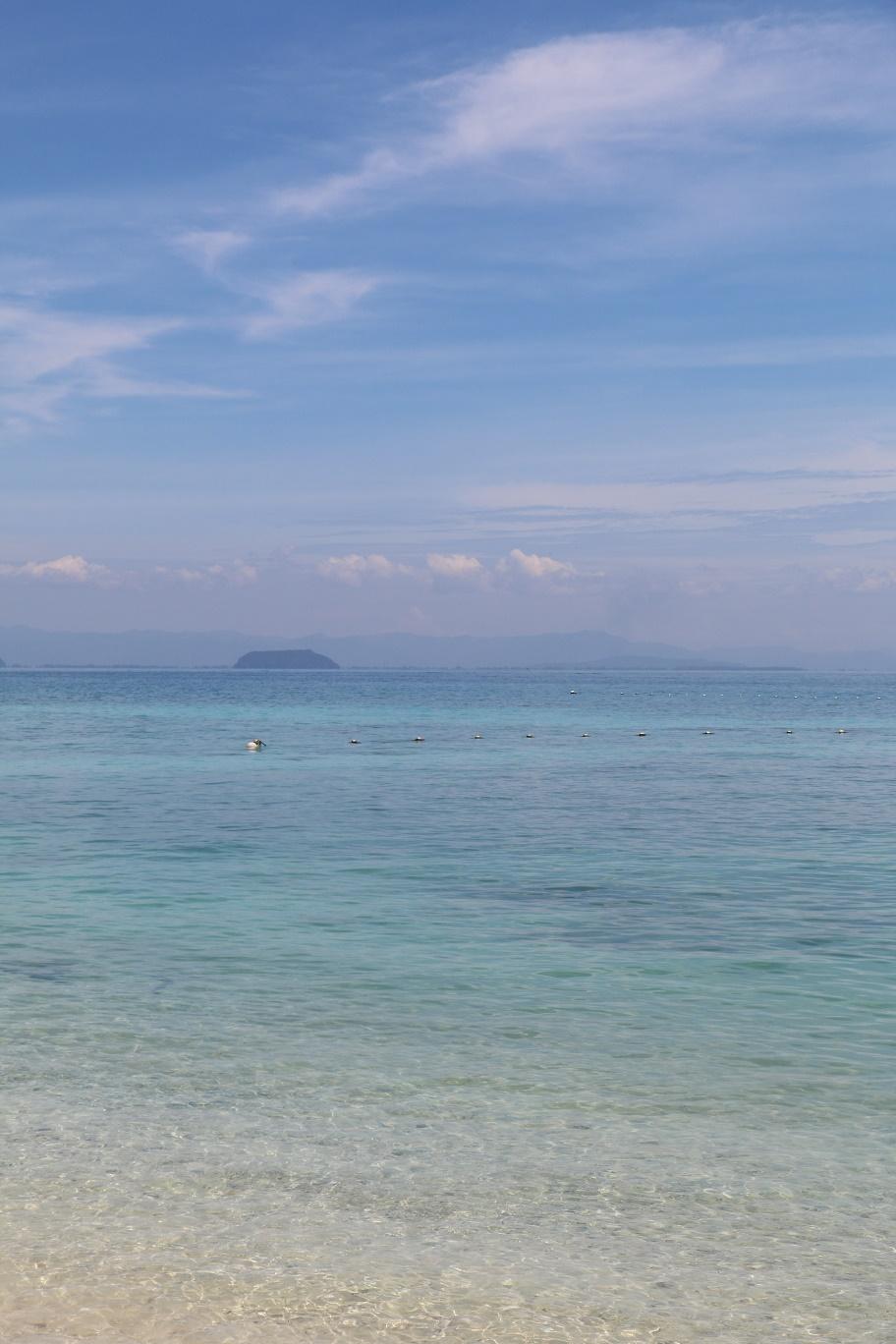 Pulau_Perhentian_Kecil_Coral_Beach_5_thebraidedgirl